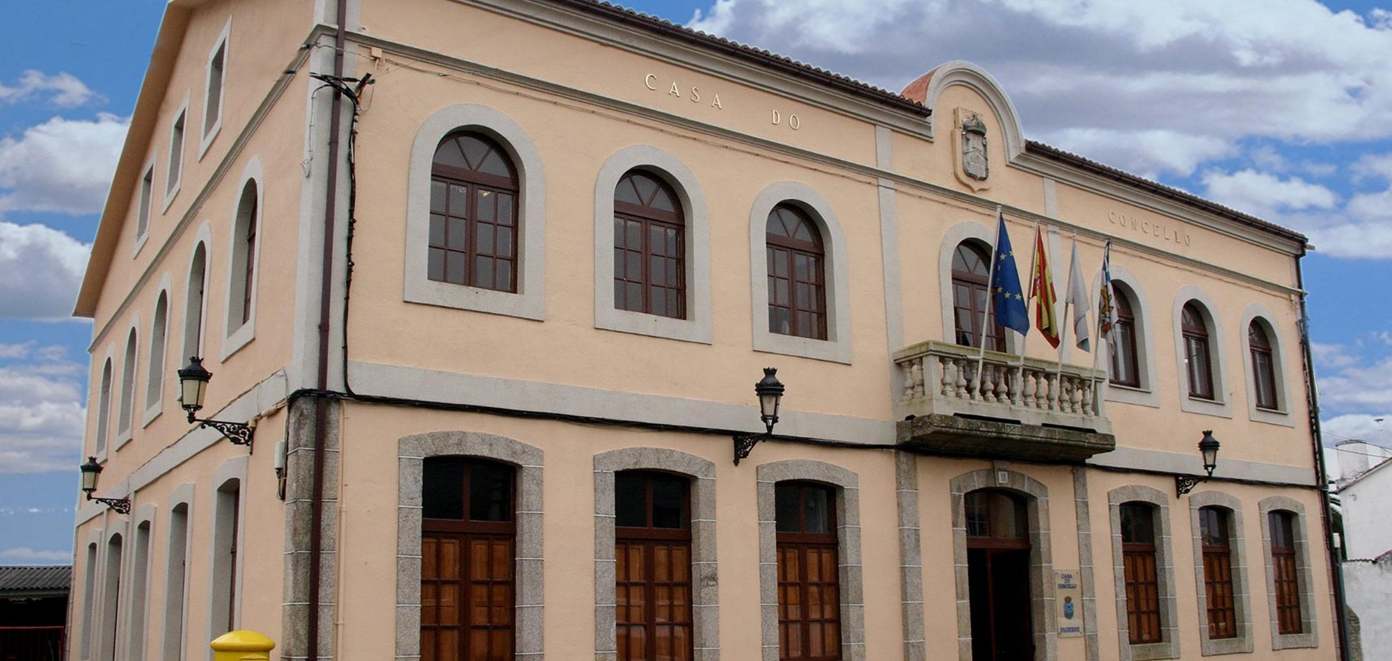 Casa do concello de Paderne